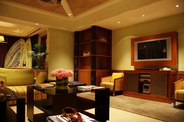 moderní obývák, televize, stolek