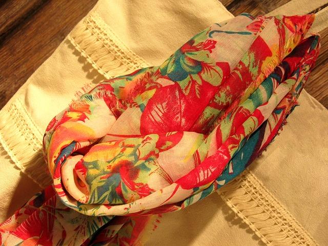 strakatý šátek