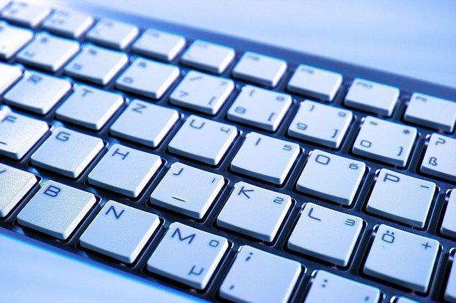 klávesnice od počítače