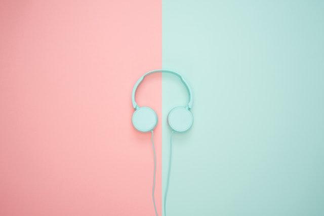 barevná kombinace modrá růžová.jpg