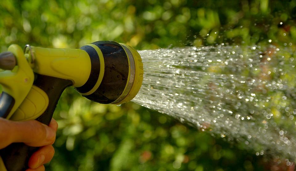 watering-1601143_960_720